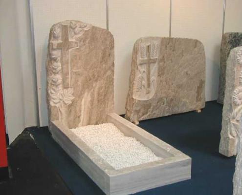 Lo Scalpellino marmista Castano Primo arte funeraria